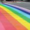 Parigi: liberté, égalité, fraternité e strisce Rainbow per l'éternité.